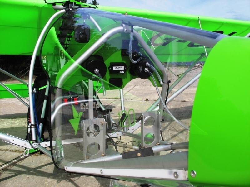 120-kg-UL-Cockpit