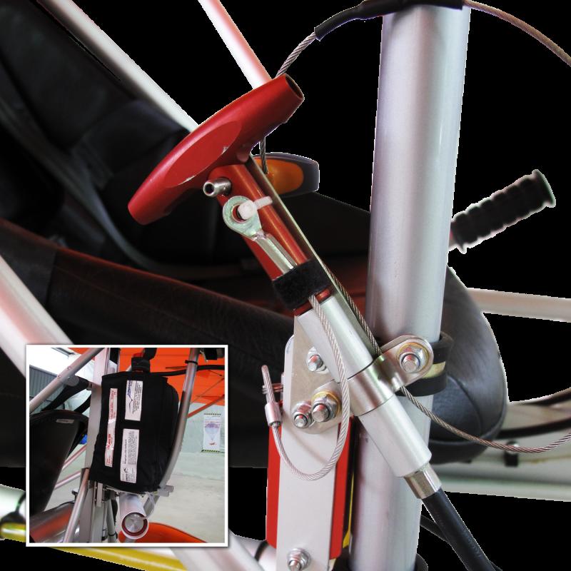 Bei der AEROLiTE 120 wird serienmäßig dasJunkers Magnum 250 SP verbaut. Das Rettungssystem wurde an zwei Punkten an der Zelle der AEROLiTE 120 befestigt. Beide Punkte liegen in der Symmetrieebene des Flugzeugs. Ein Punkt ist an der vorderen Flügelbefestigung und der Zweite auf der Rückseite der Flügelwurzeln befestigt. Sie sind in der Lage das 1,3-fache der Last in alle Richtungen zu halten.<br />